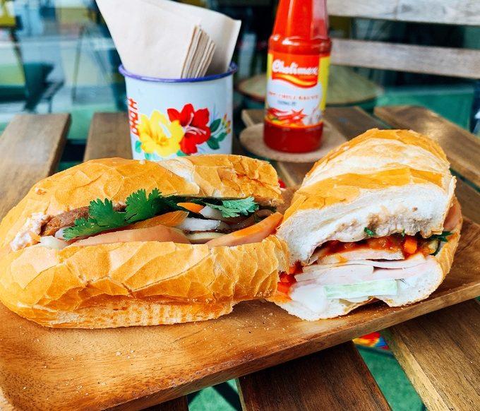 Du lịch Seoul thưởng thức cà phê, bánh mì chuẩn vị Hà Nội