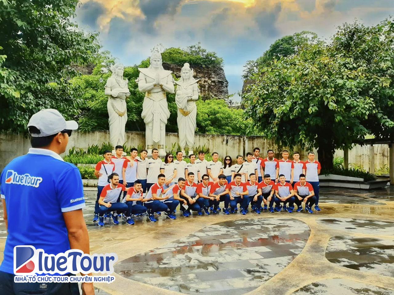 CLB Than Quảng Ninh khám phá công viên văn hóa Garuda Wisnu Kencana, Bali