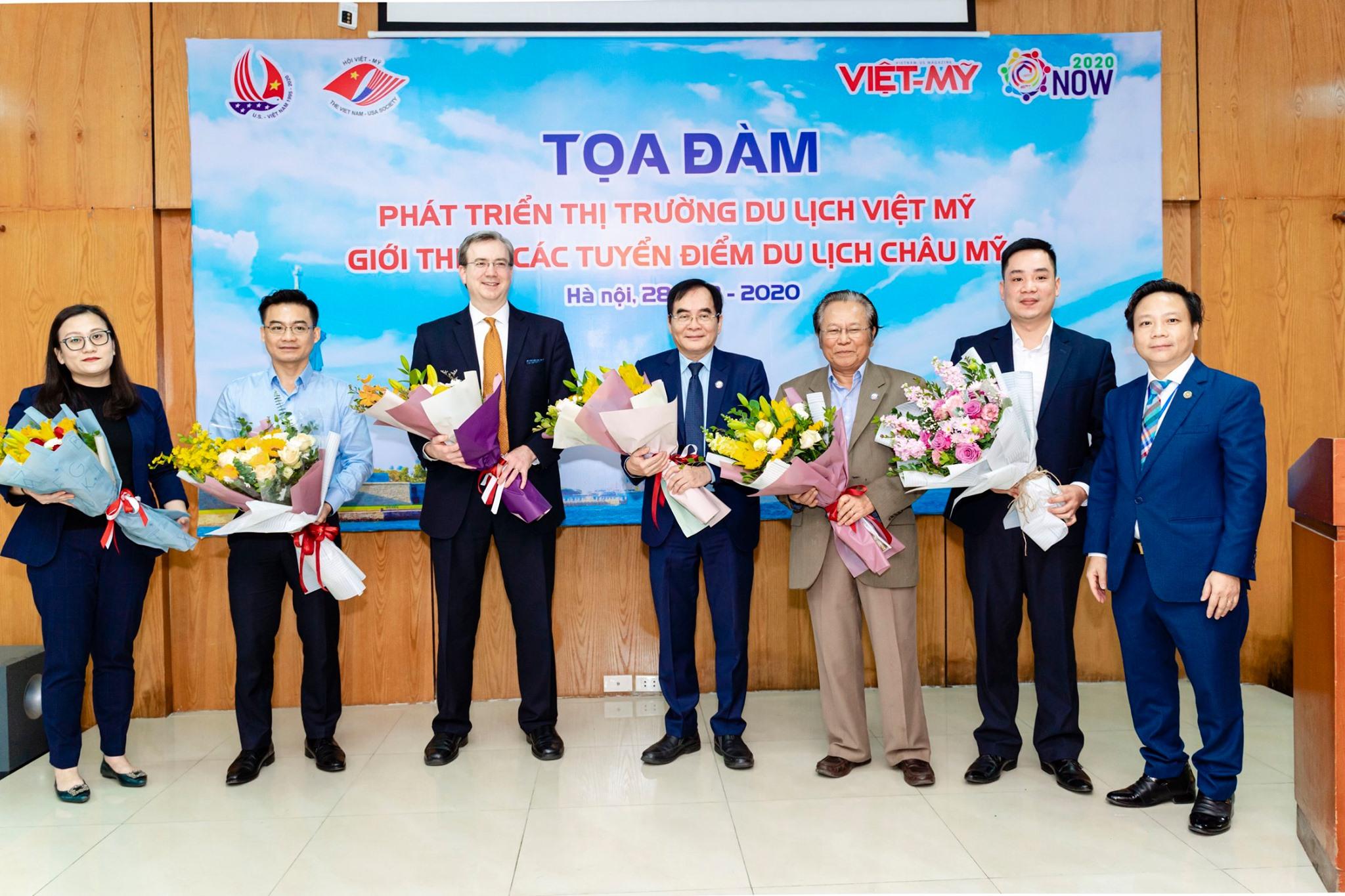 Các khách mời đặc biệt trong buổi Tọa Đàm Du lịch Việt Mỹ